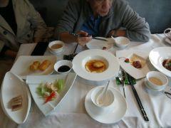 中星铂尔曼酒店悦中餐厅的自助餐
