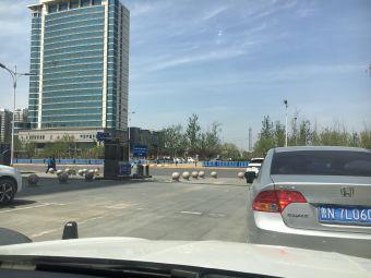 万达嘉华酒店-停车场