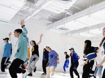 凌想舞蹈艺术中心