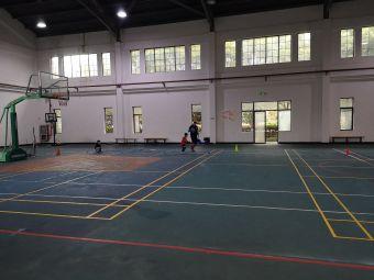 乔治篮球培训班