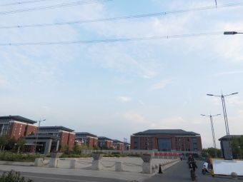 濮阳县元龙高级中学
