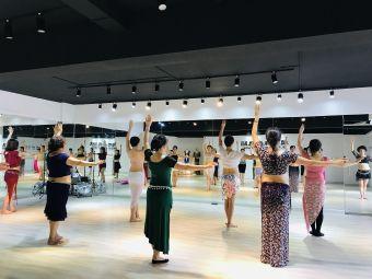超级舞者舞蹈工作室