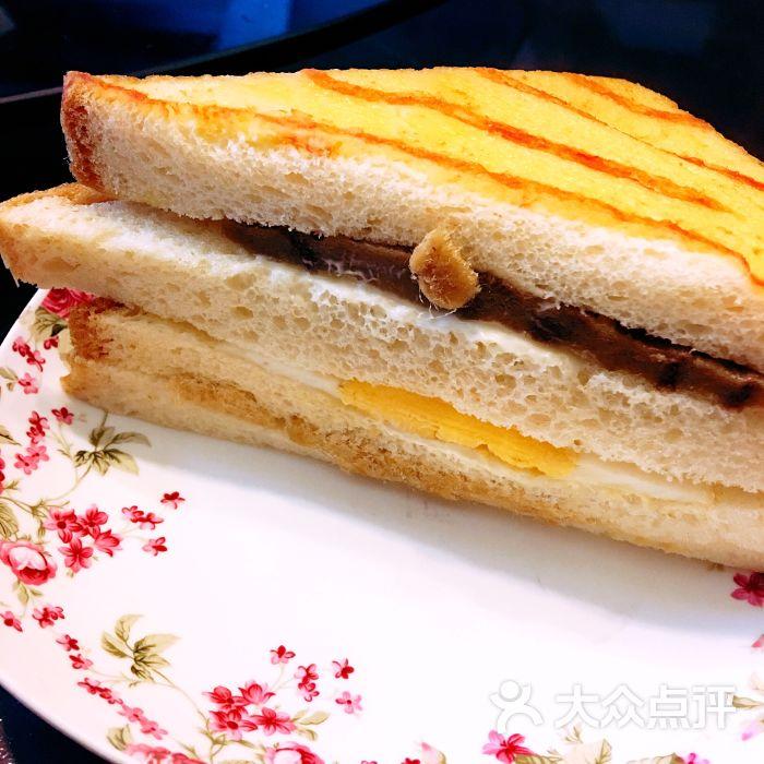 法式三明治面包图片