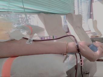 万达广场献血车