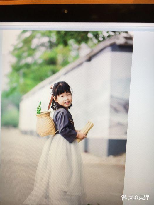 维拉儿童摄影图片