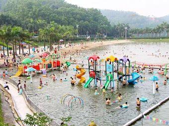龙泉酒店沙滩游泳池