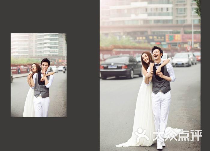 亲密爱人婚纱摄影_甜蜜爱人婚纱摄影