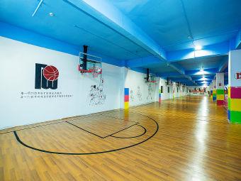 瑞威篮球训练馆