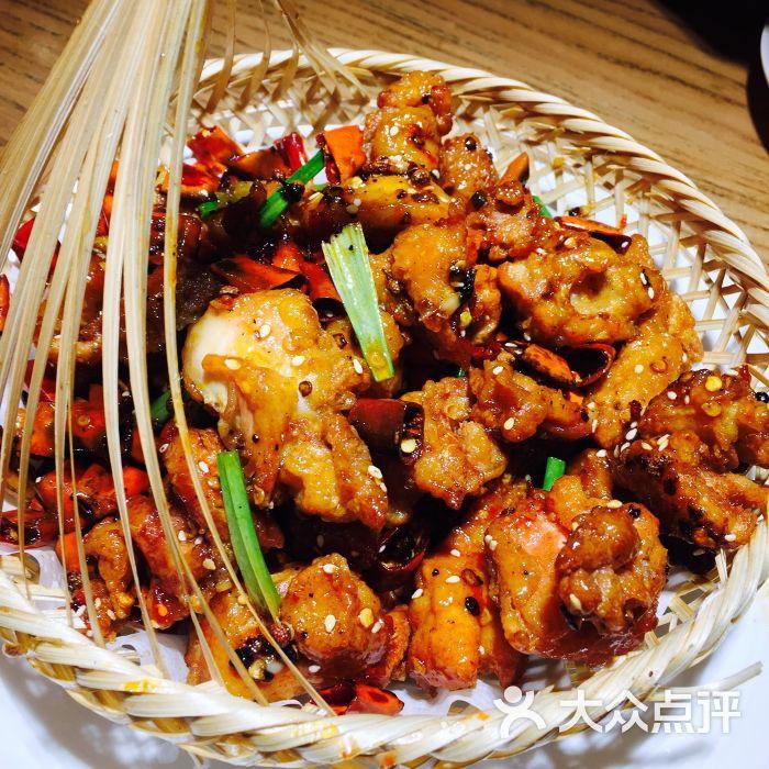石小二木桶鱼(台东店)-辣子鸡图片-青岛美食-大众