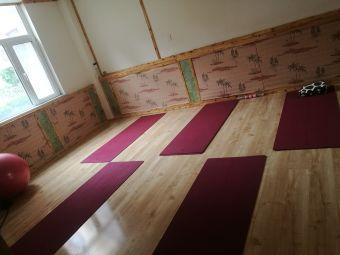 禅歌瑜伽生活会馆