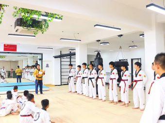 龙正·英豪跆拳道(文化路馆)