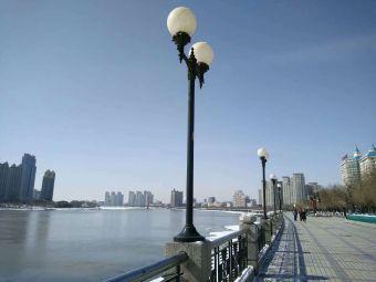 吉林市松花江漂浮式音乐喷泉