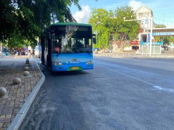 公交车16路