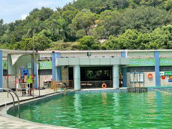 天然山水游泳场