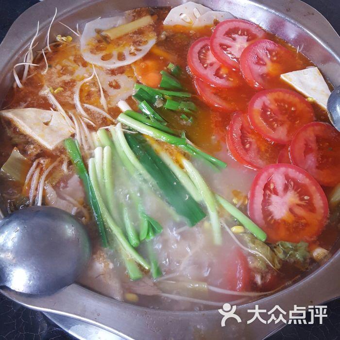 猪儿酸汤猪蹄火锅(春苑店)-酸汤猪脚图片-昆明美食