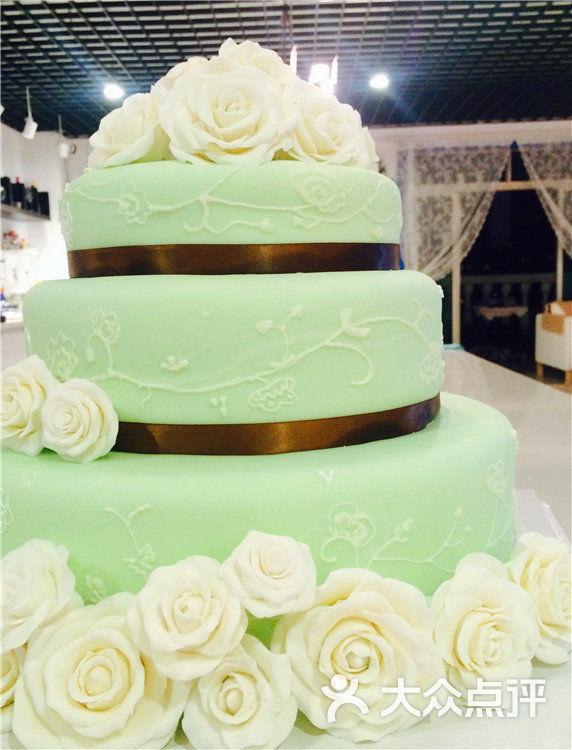 三层翻糖蛋糕