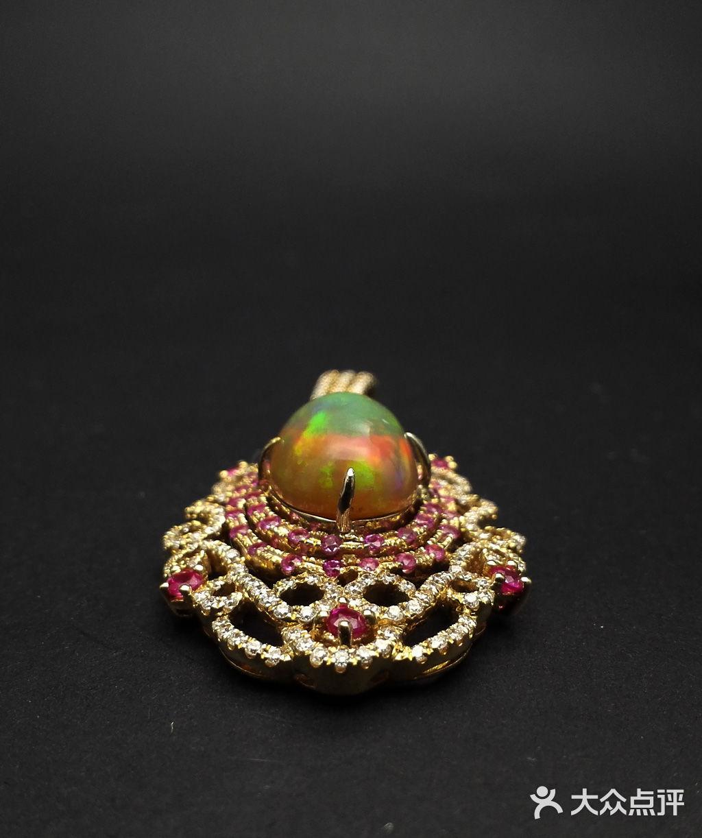 誉玺珠宝高级定制  款式: 吊坠 图案/形状: 欧式古典 材质: 宝石 是否