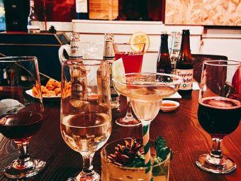 夺杯威士忌和精酿酒吧