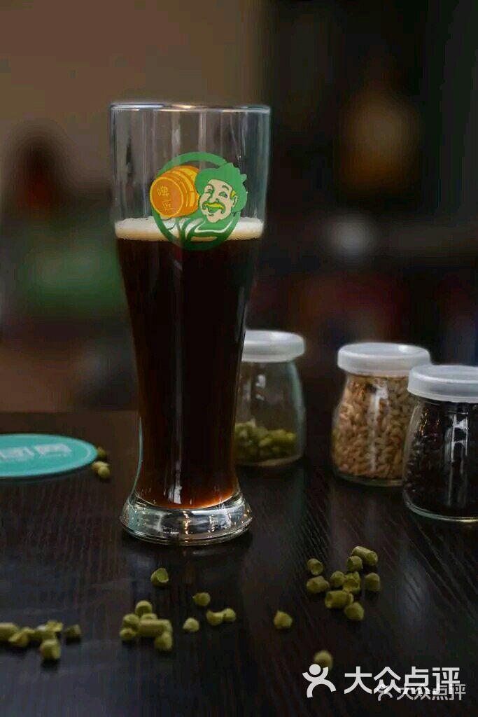 1、啤酒精酿啤酒加盟费:啤酒精酿啤酒加盟费是多少