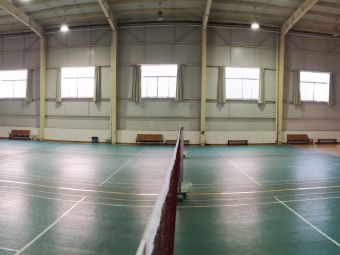 一00二库羽毛球馆