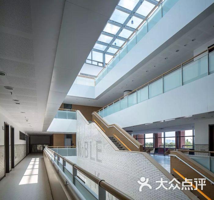 杭州高级中学(钱江图片)-高中-阜阳教育培训-大校区杭州情况录取图片