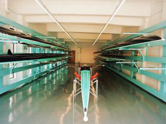 深潜赛艇体育有限公司