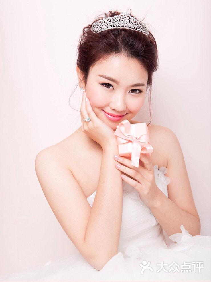 mily wedding club彩妆·礼服馆图片