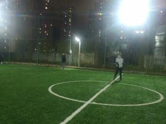 水岸广场足球场