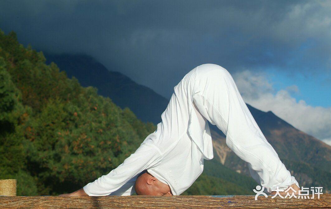减压瑜伽图片