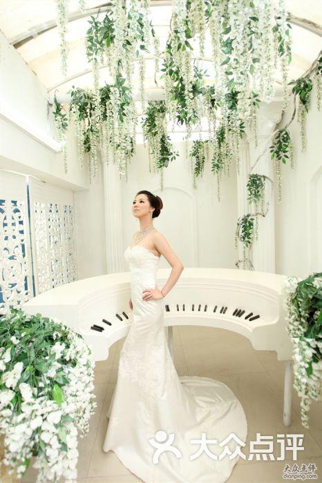 维纳斯婚纱摄影