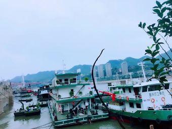 长滨路加油加气站