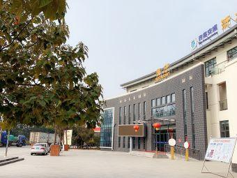 沂水北服务区停车场