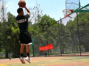 久居福社区篮球场