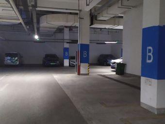 利华广场地下停车场电动汽车充电分时租赁场站