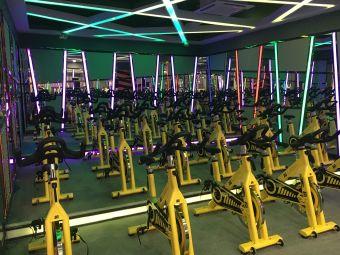 中央健身房