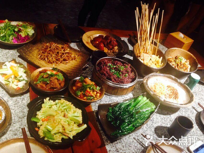 两千斤重庆江湖菜