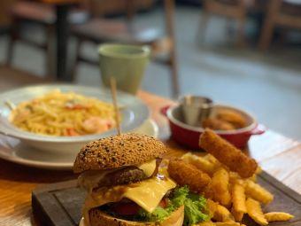 WM Café & Bar(海之戀商場店)