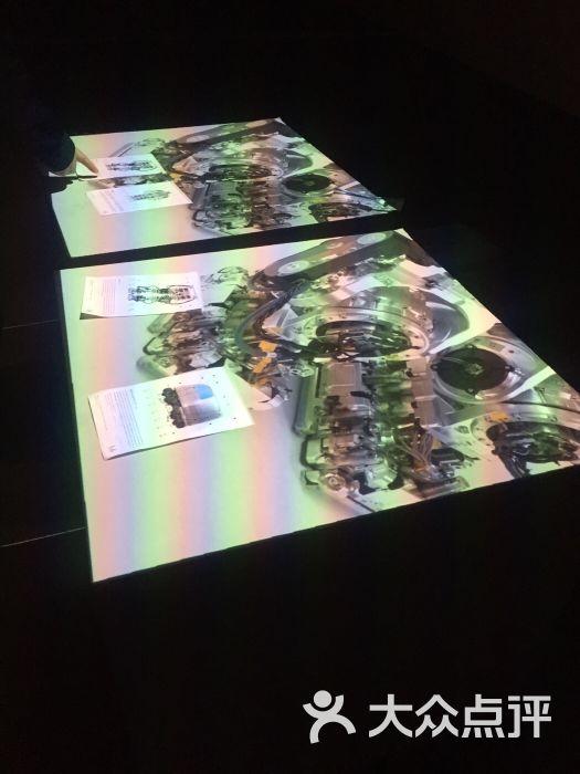青岛魔法美术馆像素森林_魔法美术馆登陆青岛奇幻世界启动烧脑模式_