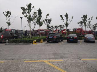 高唐服务区-停车场