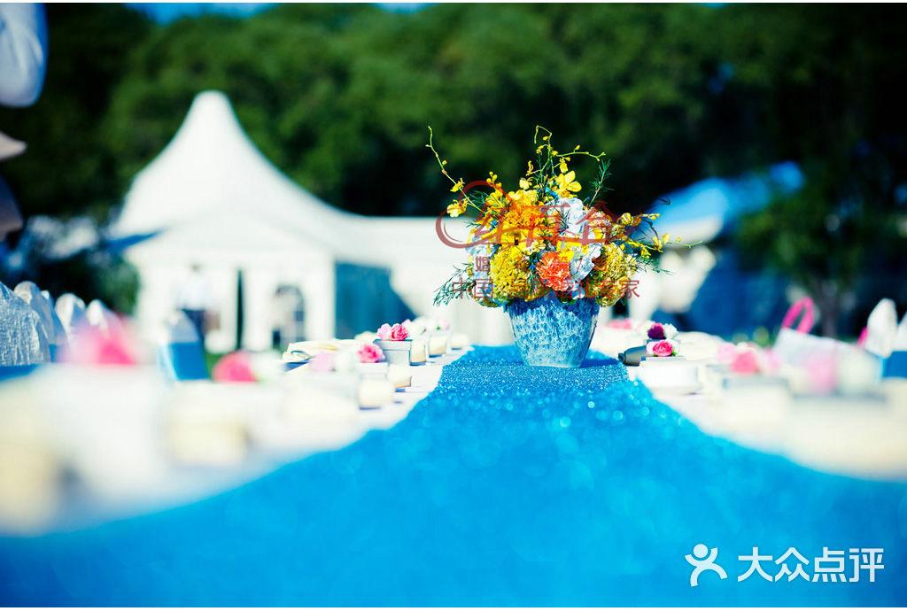 精美迎宾水牌1组 高档木质画架支撑,画面定制设计制作,鲜花装饰