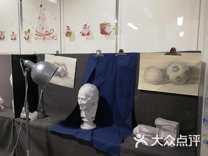 在教室��.�9�9b�9�*_中国美术学院上海设计学院培训中心(浦东教学点)教室环境图片 - 第9张