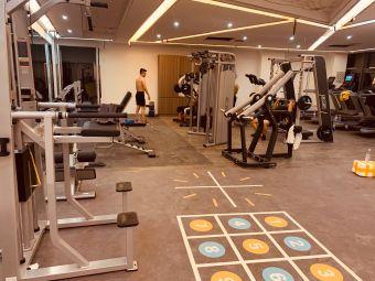 TOP健身公馆(观城店)