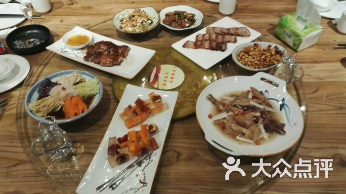 南和北融合美食-图片-兰州餐厅牛肉红烧香菇图片