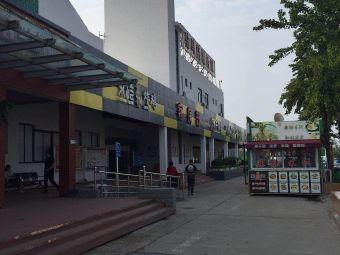 驻马店服务区-停车场