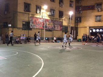 围里社区篮球场