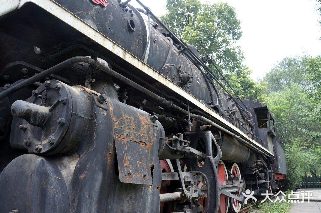 东郊工业文明博物馆火车头图片 - 第6张