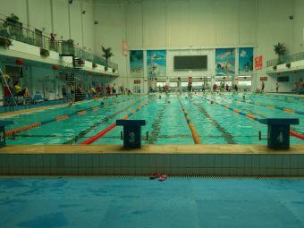 石铁游泳馆