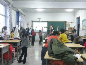 龙馨外语学校(龙华路店)