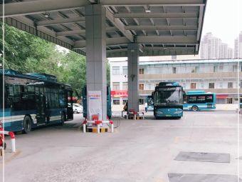 济南公交石门加油加气站