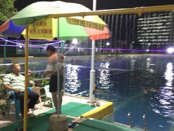 峰乐生态游泳池